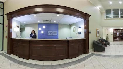 Reception | Holiday Inn Express Hotel & Suites WADSWORTH