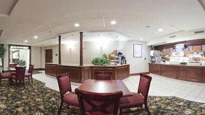 Breakfast Area | Holiday Inn Express Hotel & Suites WADSWORTH