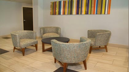 Lobby | Holiday Inn Express & Suites Port Charlotte