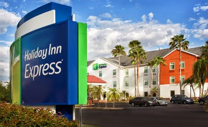 Featured Image | Holiday Inn Express & Suites Port Charlotte