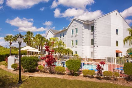 Pool | Holiday Inn Express & Suites Port Charlotte