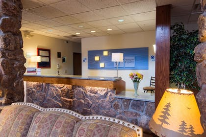 Reception | Holiday Inn Express & Suites Mt. Rushmore