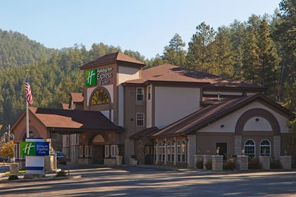 Exterior | Holiday Inn Express & Suites Mt. Rushmore