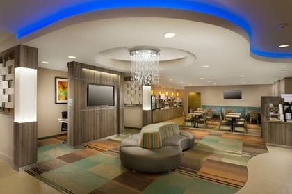 Lobby   Holiday Inn Express & Suites DFW-Grapevine
