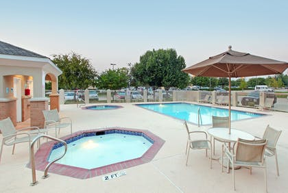 Pool   Holiday Inn Express & Suites DFW-Grapevine