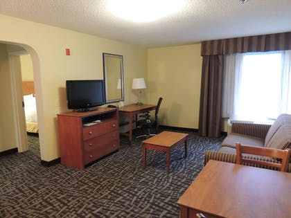 | Holiday Inn Express & Suites Birmingham Trussville