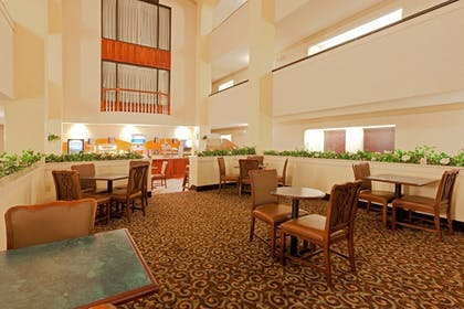 Restaurant | Holiday Inn Express & Suites Birmingham Trussville
