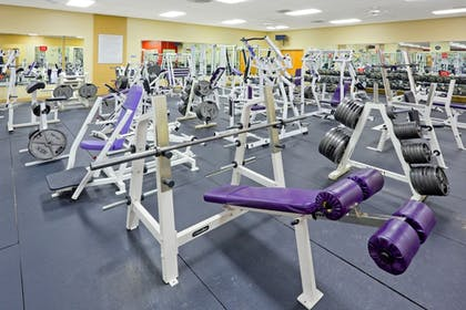 Fitness Facility | Holiday Inn Express Hotel & Suites Carneys Point
