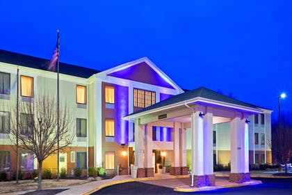 Exterior | Holiday Inn Express Hotel & Suites Carneys Point