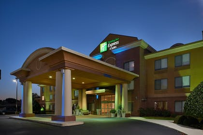 Featured Image | Holiday Inn Express & Suites Oxford