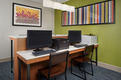 Business Center | Holiday Inn Express & Suites Oxford