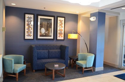 Lobby | Holiday Inn Express & Suites Oxford