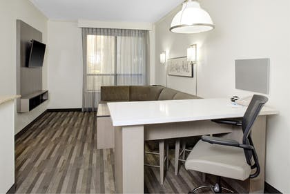 Living Area | HYATT house Dallas/Lincoln Park
