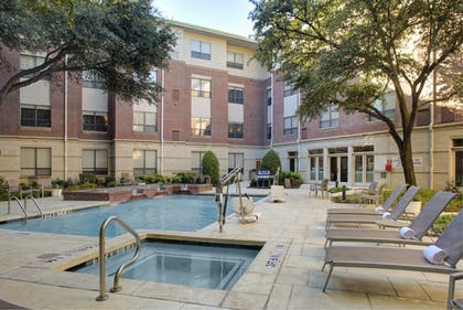Outdoor Spa Tub | HYATT house Dallas/Lincoln Park