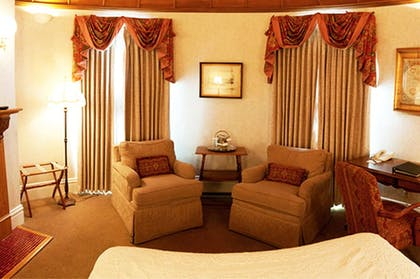 | Firestone Suite | Cliff House at Pikes Peak