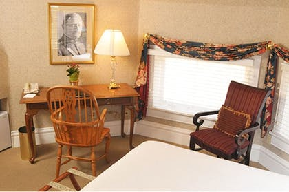 | General John Pershing Suite | Cliff House at Pikes Peak
