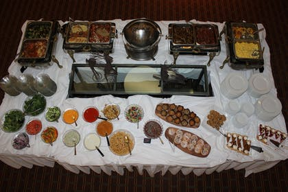 Buffet | Avalon Hotel & Conference Center