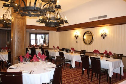 Restaurant | Avalon Hotel & Conference Center