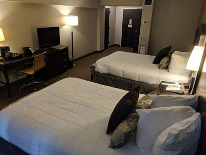 Guestroom | Avalon Hotel & Conference Center