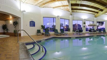 Indoor Pool | Best Western Holiday Manor