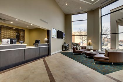 Lobby | Candlewood Suites Wichita East