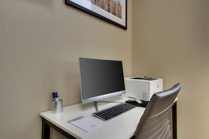 Business Center | Candlewood Suites Wichita East