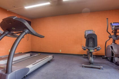 Fitness Facility | Comfort Inn & Suites Evansvile Airport