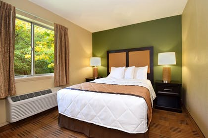 Guestroom | Extended Stay America - Columbus - Sawmill Rd.