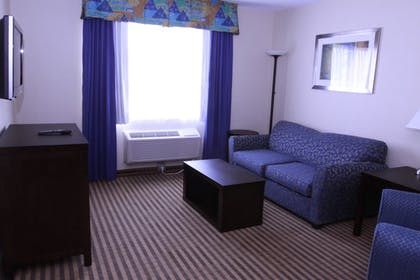 Living Room | Best Western Plus Portage Hotel & Suites