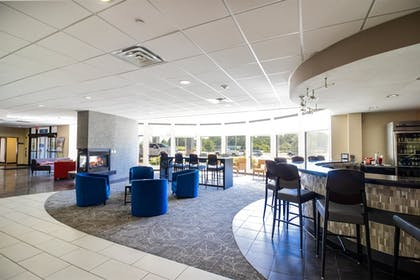 Hotel Bar | Best Western Plus Portage Hotel & Suites