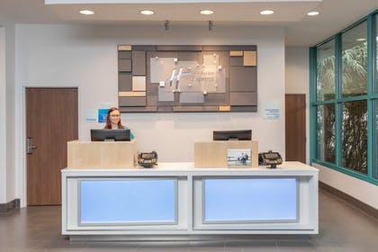 Interior | Holiday Inn Express Pensacola Beach