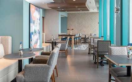 Restaurant | Holiday Inn Express Pensacola Beach