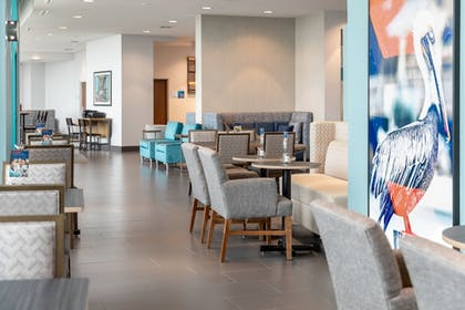 Lobby | Holiday Inn Express Pensacola Beach