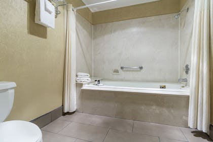 Bathroom | Cerulean Hotel, a Running Y Property