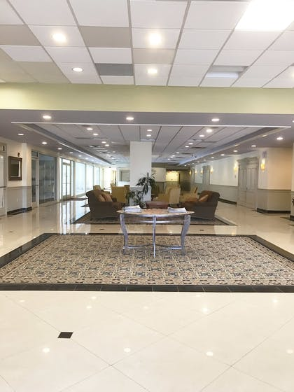Lobby | Travelodge by Wyndham Bradley Airport