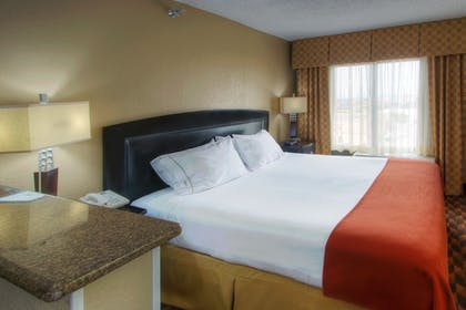 Guestroom | Holiday Inn Express Hotel & Suites Albuquerque Midtown