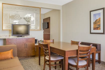 In-Room Dining | Comfort Suites Old Town Scottsdale