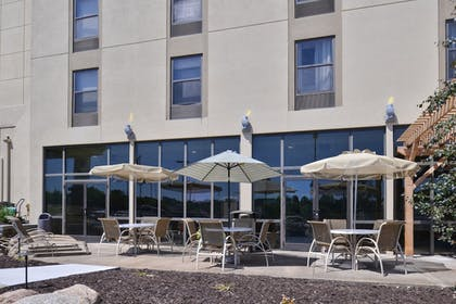 Featured Image | Holiday Inn Express Omaha West - 90th Street