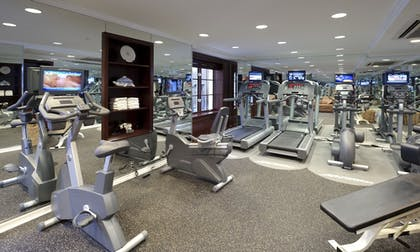Fitness Facility | Excelsior Hotel