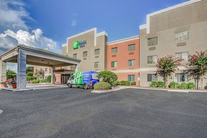 Exterior | Holiday Inn Express Hotel & Suites Greenville Airport