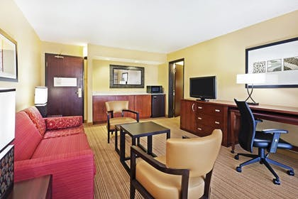 Guestroom | Courtyard by Marriott Austin South