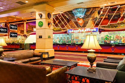 Lobby Sitting Area | The Orleans Hotel & Casino