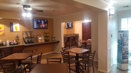 Breakfast Area | Best Western El Centro Inn