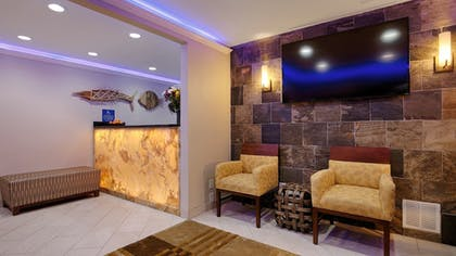 Lobby Sitting Area | Best Western The Inn & Suites Pacific Grove