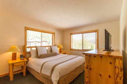 Guestroom | Red Wolf Lodge At Squaw Valley