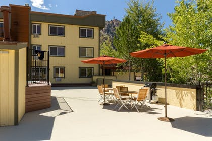 Terrace/Patio | Red Wolf Lodge At Squaw Valley