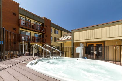 Outdoor Spa Tub | Red Wolf Lodge At Squaw Valley