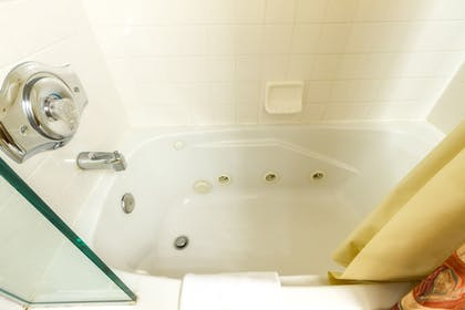 Jetted Tub | Red Wolf Lodge At Squaw Valley