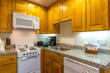 In-Room Kitchen | Red Wolf Lodge At Squaw Valley