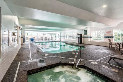 Pool | Clarion Hotel Portland Airport